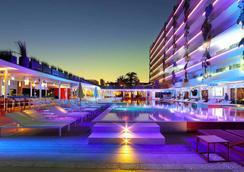 烏斯懷亞伊維薩海灘酒店-僅限成人 - Sant Jordi de ses Salines - 游泳池