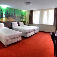Hotel Van Gogh Guestroom