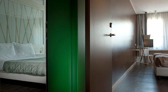 Hotel Admiral - 盧加諾 - 臥室