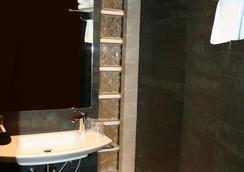 加爾比密列尼酒店 - 巴塞隆拿 - 浴室