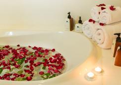 皇家普吉城市酒店 - 布吉 - 浴室