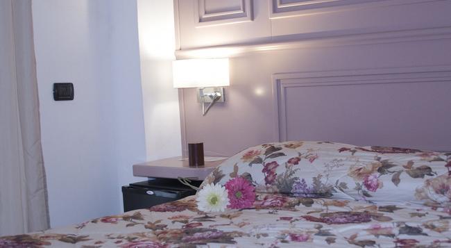 B&B Sul Corso - 薩萊諾 - 臥室