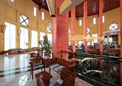 三朵帕優海灘度假酒店- 24小時全包 - 普拉亞布蘭卡 - 休閒室