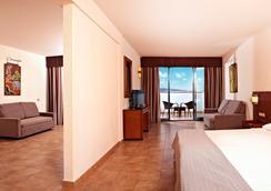 三朵帕優海灘度假酒店- 24小時全包 - 普拉亞布蘭卡 - 臥室