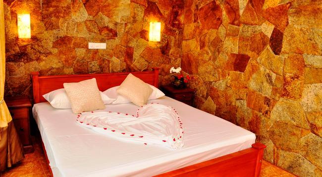 Hotel Amarit - 本托塔 - 臥室