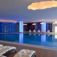 Wyndham Grand Istanbul Europe Pool