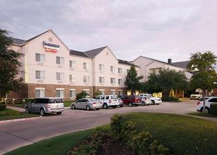 Fairfield Inn and Suites by Marriott Fort Worth Fossil Creek