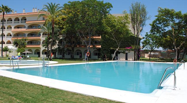 Gran Hotel del Coto - Matalascañas - 游泳池