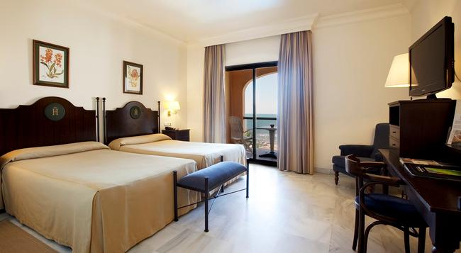 Hotel Duque De Najera - 羅塔 - 臥室