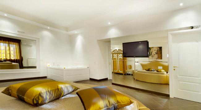 Hotel Il Quadrifoglio - 羅馬 - 臥室
