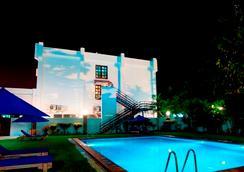 提摩爾酒店 - Dili - 游泳池