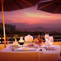 Aonang Cliff Beach Resort Outdoor Dining