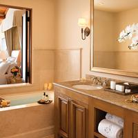 The Resort At Pelican Hill Guest room
