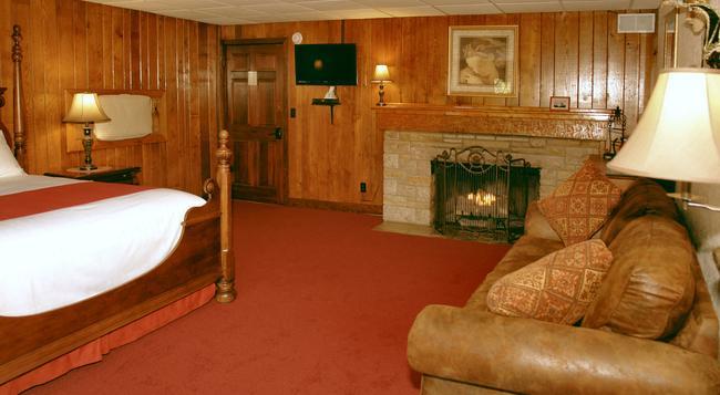 Tudor Inn Gatlinburg B&B - 加特林堡 - 臥室