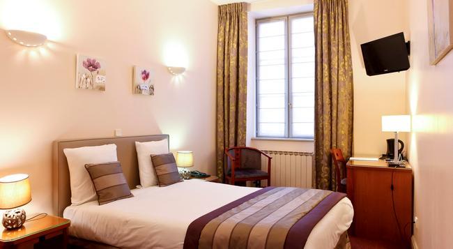 Le Phenix Hotel - 里昂 - 臥室