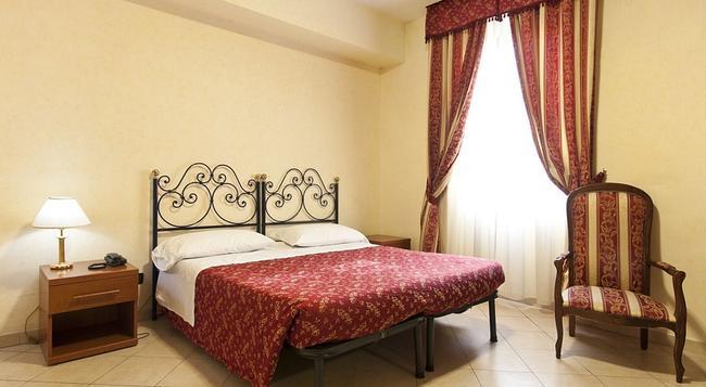 Hotel Stromboli - 羅馬 - 臥室