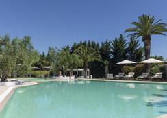 巴里酒店 - 巴里 - 游泳池