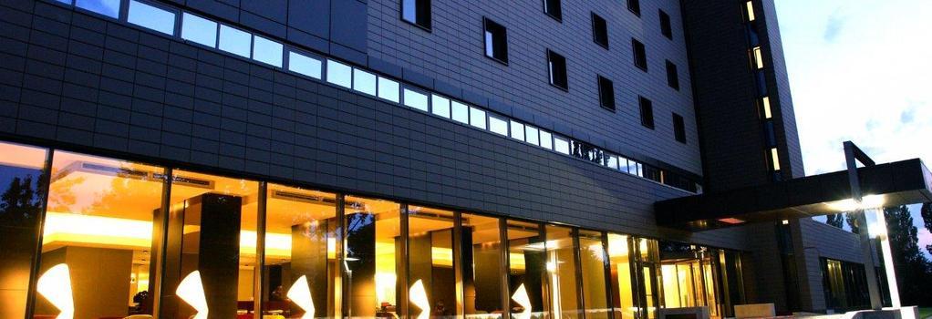 Ramada Plaza Bucharest Convention Center - Bucharest - 建築