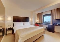 布加勒斯特華美達大酒店 - Bucharest - 臥室