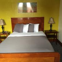 The Miner's Boutique Hotel Guestroom