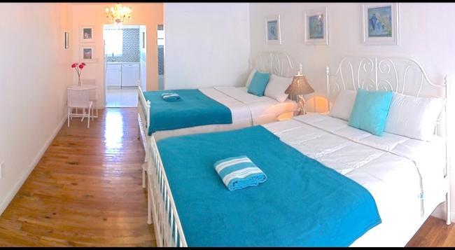 Bikini Hostel, Cafe & Beer Garden - 邁阿密海灘 - 臥室