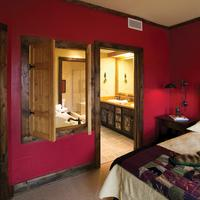 The Lodge at Buckberry Creek Guest Room