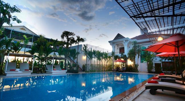 Rose Royal Boutique Hotel - 暹粒 - 游泳池