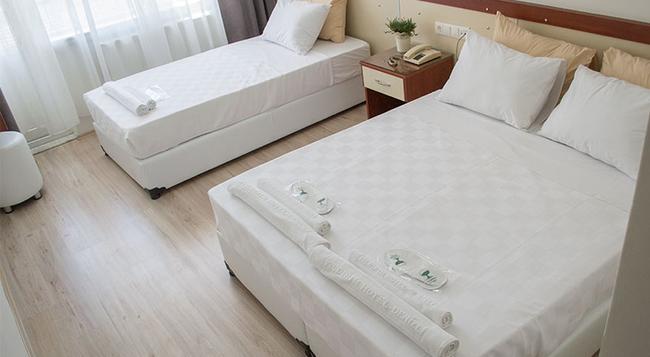 Yildirim Hotel - 代尼茲利 - 臥室