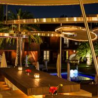 Hotel Benkirai Poolside Bar