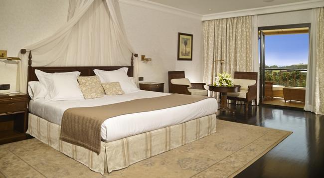 Hotel Las Madrigueras - 阿羅納 - 臥室