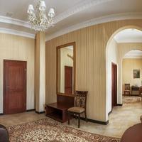Nikitin Hotel Living Room