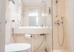 赫爾辛基城市佛崙姆公寓式酒店 - 赫爾辛基 - 浴室