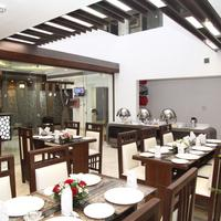 Hotel Emerald Dining