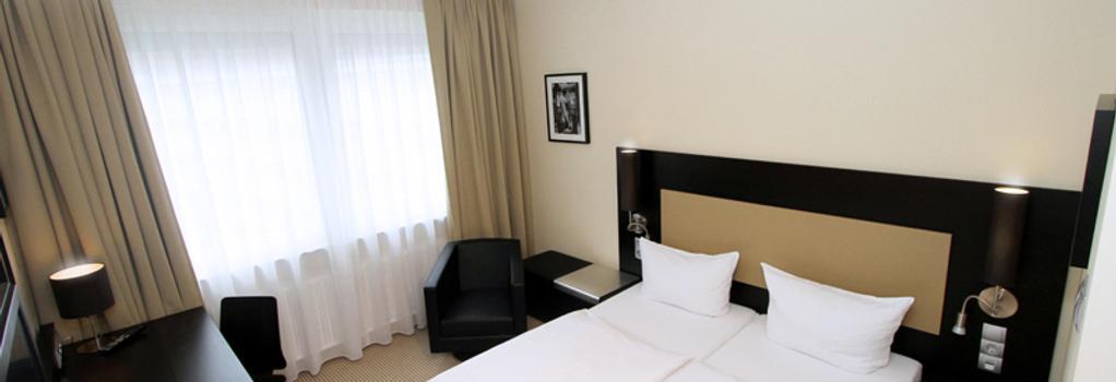 Hotel am Karlstor - 卡爾斯魯厄 - 臥室