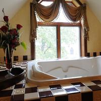 The Historic Webster House Jetted Tub