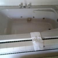 Seaway Motel Deep Soaking Bathtub