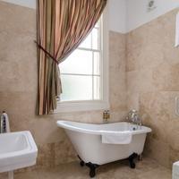 Apsley House Hotel Bathroom