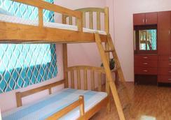 依莫旅舍 - 宿務 - 臥室