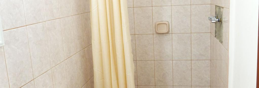 Hostal Satélite - 齊克拉約 - 浴室