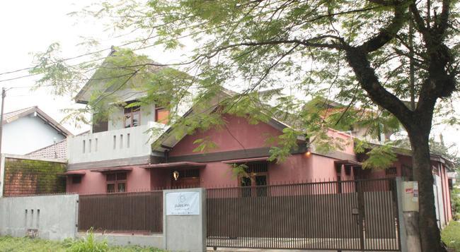 Pulas Inn - 萬隆 - 建築