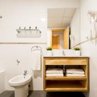 Valenciaflats Ciudad de las Ciencias Bathroom