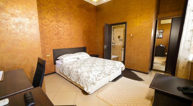 Greek House Hotel - 克拉斯諾達爾 - 臥室