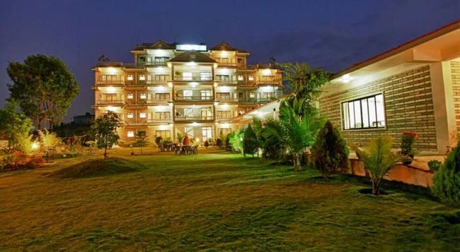 Hotel Crown Himalayas - 博卡拉 - 建築