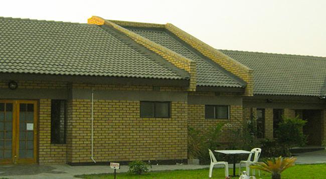 Senthaga Guest House & Safaris - 馬翁 - 建築