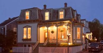 Centerboard Inn - Nantucket - 建築