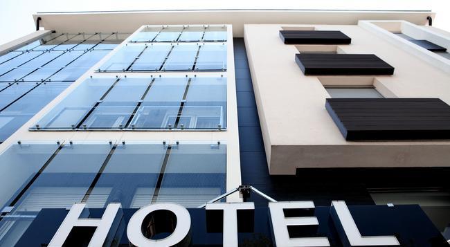 Nova City Hotel Signature Collection - 貝爾格萊德 - 建築