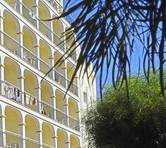 普萊雅中心酒店