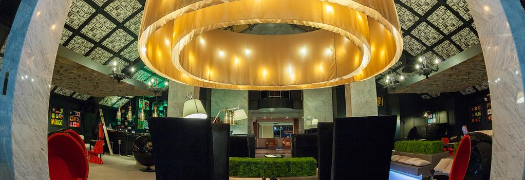 President Hotel - 烏法 - 酒吧