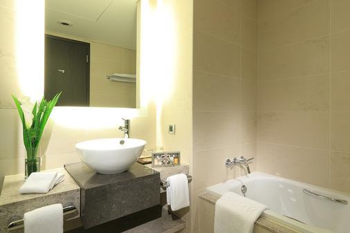 台北美侖大飯店 - 台北 - 浴室