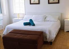 馬林海濱酒店 - 好萊塢 - 臥室